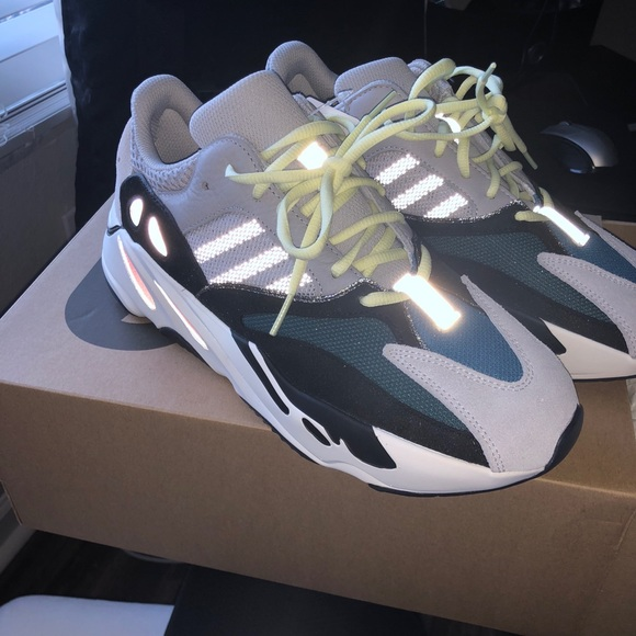 sports shoes fad15 bbd11 YEEZY BOOST 700 WAVE RUNNER NWT